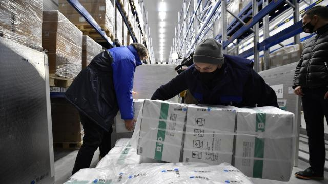 Koronavírus - Nem oltják soron kívül semelyik élelmiszer-áruház raktárosait