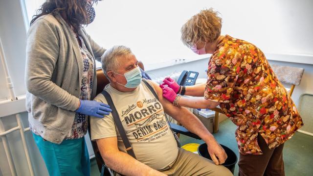 Meghalt 195 beteg, 3456-tal nőtt a fertőzöttek száma Magyarországon