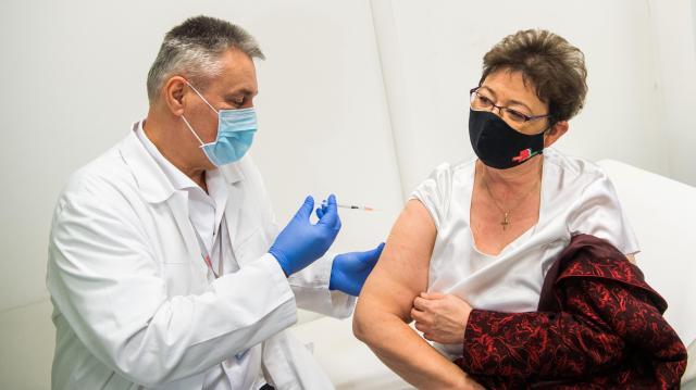 Országos tisztifőorvos: minden eszközzel le kell törni a járvány harmadik hullámát