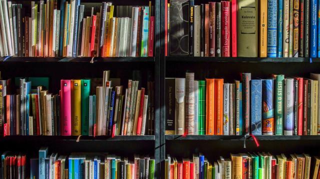 Részlegesen nyit a könyvtár