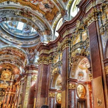 Szünetel a Szent István-bazilikában az istentiszteleti élet