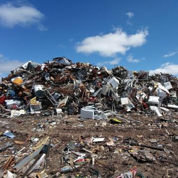 Több mint hét tonnányit újrahasznosítanak a Tiszából kiemelt hulladékból