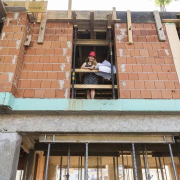 Több tízmillió forintot is megspórolhatnak a családok az otthonteremtési programmal