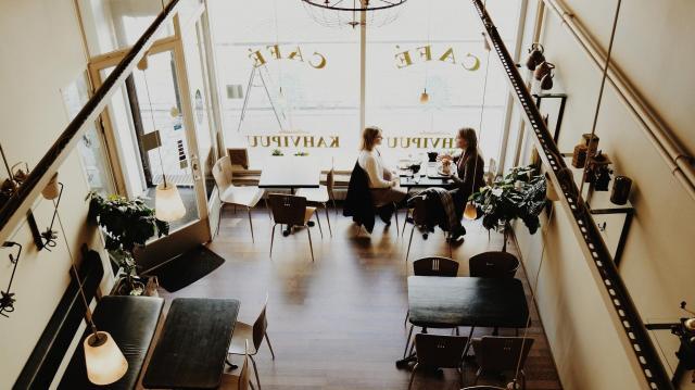 Az ágazati bértámogatásban részesülők többsége a vendéglátásban dolgozik