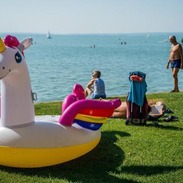 Húsz év alattiak jelentkezhetnek Balaton témájú videóversenyre