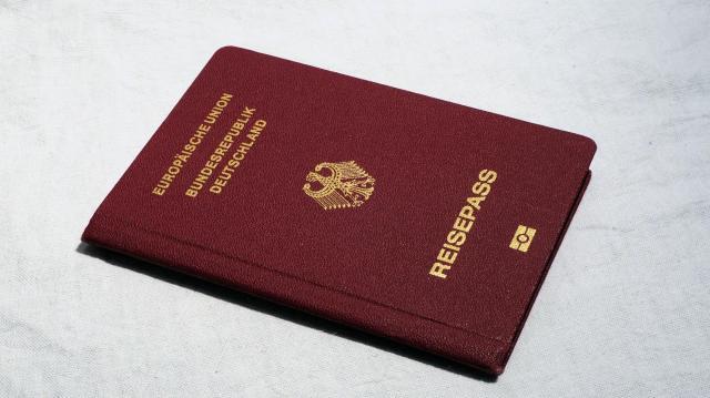 Időpontfoglalás nélkül intézhetők a védettségi igazolvánnyal kapcsolatos ügyek a kormányablakokban