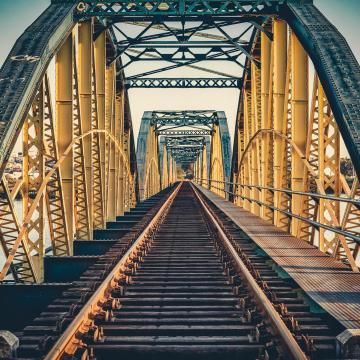Interaktív kampányt indít a vasúti átjárók biztonságosabbá tételére a MÁV
