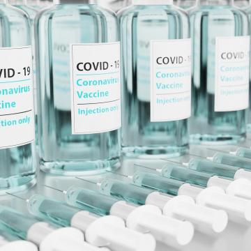 Jól állunk az oltással, de még mindig nincs elég vakcina