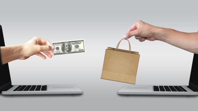Márciusban ismét rekordot döntött az online kiskereskedelem