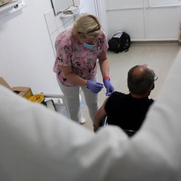 Meghalt 272 beteg, 2837-tel nőtt a fertőzöttek száma Magyarországon