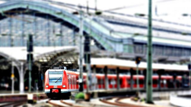 Műszaki hiba miatt késnek a vonatok a hegyeshalmi fővonalon
