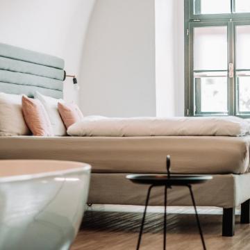 Újranyitja szállodáit és kedvezményekkel várja az egészségügyi dolgozókat a Hunguest Hotels