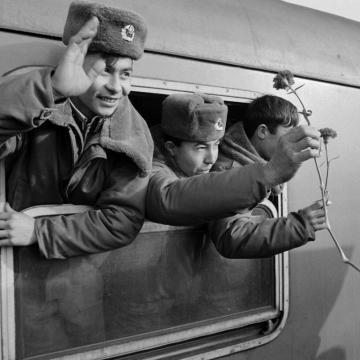 A Magyarországon állomásozó szovjet csapatok kivonása 30 éve fejeződött be