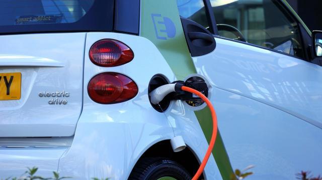 Ismét igényelhető állami támogatás elektromos autók vásárlásához