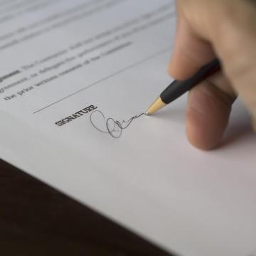 Júliusban jönnek az újraindulási hitelek a Széchenyi-kártya-programban