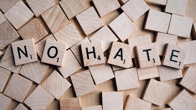 A gyűlöletbeszéd Magyarországgal szemben is tilos!