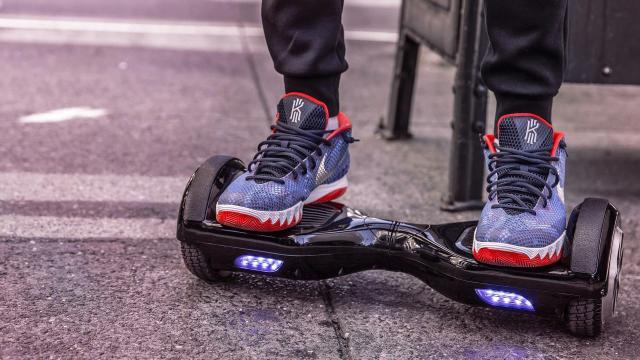 A rollerek részben igen, a hoverboardok egyáltalán nem feleltek meg a termékbiztonsági előírásoknak