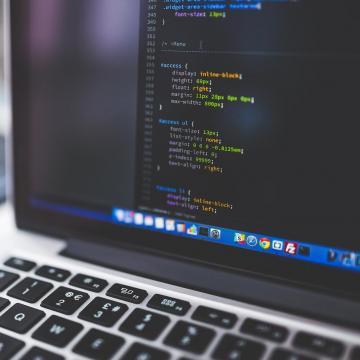 Augusztus 9-ig lehet jelentkezni az ingyenes informatikusképzésre