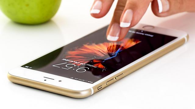 Az okostelefon tudatos használata közelebb hozhatja egymáshoz a generációkat