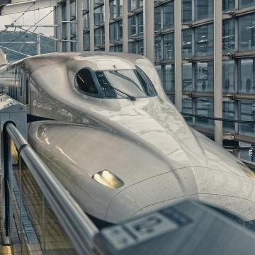 Magyarországot be kell kötni az európai nagysebességű vasúti hálózatba
