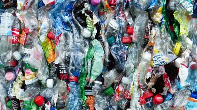 Újabb állami támogatás járult hozzá a műanyagok visszaszorításához