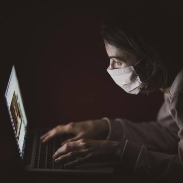 Negyvenöt koronavírus-fertőzött van lélegeztetőgépen hazánkban